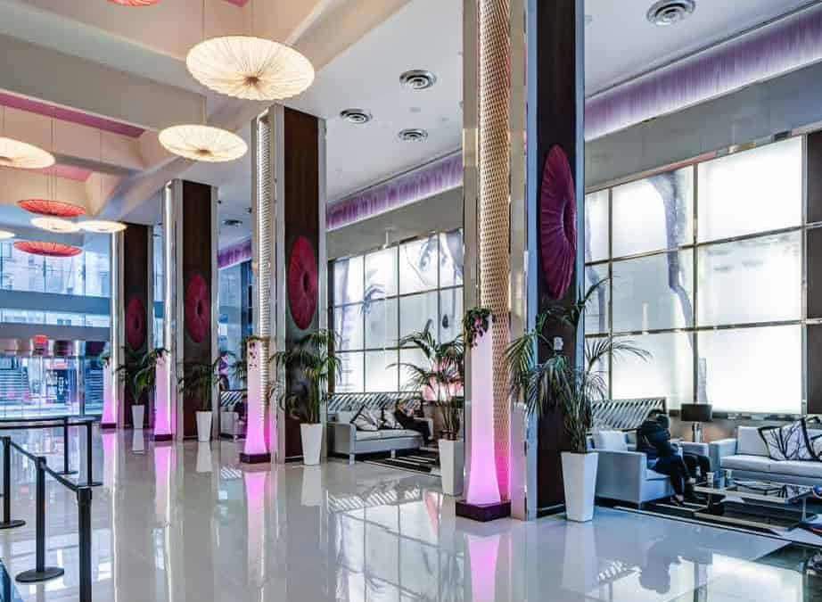 The Quirky But Elegant Riu Plaza New York Times Square Hotel